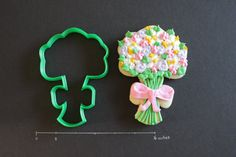 Flower Bouquet  Large Cutter by CreativeCookieCutter on Etsy, $6.00
