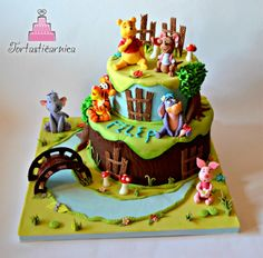 EDITOR'S CHOICE (01/17/2014) Gold and pink flourish by Tortastičarnica  View details here: http://cakesdecor.com/cakes/107839-winnie-pooh-and-friends