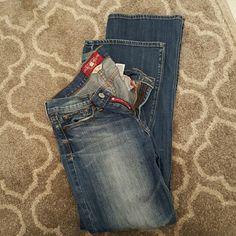 Lucky boot cut jeans Medium rise, dark wash boot cut jeans Lucky Brand Jeans Boot Cut