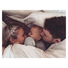 baby, family, and cute image Cute Family, Baby Family, Family Goals, Family Hug, Family Kids, Couple Goals, Tammy Hembrow, Future Mom, Future Goals