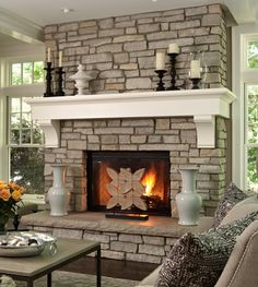 Love the stoned wall and mantle