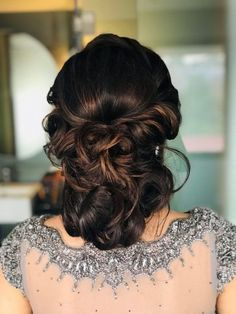 The Engagement look is usually different from the Mehendi or Bridal look. Think daintier, less quirky and basically, a more classic style. Engagement Hairstyles, Side Bun Hairstyles, Wedding Bun Hairstyles, Romantic Hairstyles, Loose Hairstyles, Pretty Hairstyles, Curly Side Buns, Messy Fishtail Braids, Bun With Curls