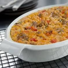Savory Oatmeal Bake Italian sausage, peppers, onions, cheese, and 2 cups of oatmeal. I'm intrigued. Savory Oatmeal Recipes, Oats Recipes, Baking Recipes, Breakfast Recipes, Breakfast Ideas, Savory Foods, Vegan Breakfast, Breakfast Casserole, Cheese Recipes