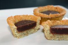 Läs receptet för Havrekakor med chokladkolafyllning! På Lisas recept kan du ta del av en massa bra recept för alla tillfällen. Välkommen in! Fika, No Bake Cookies, What To Cook, Recipies, Cheesecake, Deserts, Sweet, What's Cooking, Muffins