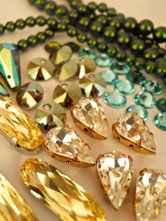 Got the dancing feeling today and were inspired by a client's order for our #Swarovski Art 6428 top-hole Rivolli discs in Iridescent Green. Full list of products shown here: https://www.facebook.com/Rhinestonz-Beads-187756321258913/photos/?tab=album&album_id=1195617753806093