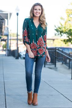 """""""The Way I See It Top, Forest Green"""" The way we see it is that you can either go ahead and purchase this top and be happy! Or you can wait and risk it being sold out and sad!  #newarrivals #shopthemint"""