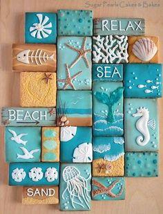 Kleine strand biscuits vormen samen de taart