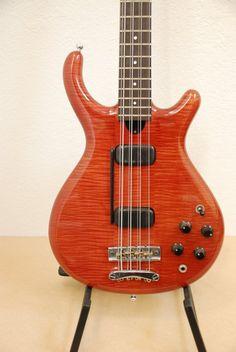 Veillete Citron 8-string bass