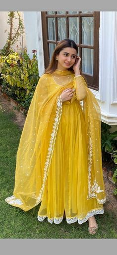 Casual Frocks, Casual Dresses, Anarkali Suits, Designer Dresses, Embroidery Designs, Ethnic, Sari, How To Wear, Fashion