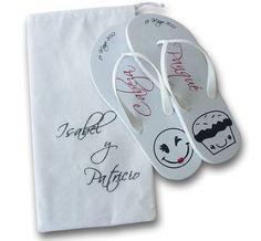 Sandalias personalizadas para bodas. Impresas a dos tintas y costalito. Diseños originales. Haz click aqui http://www.nuestraboda.com/tienda/casa-bonita/sandalias1.php