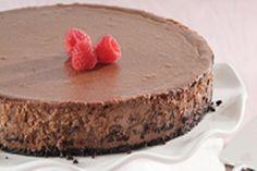 Amateurs de chocolat, ce gâteau au fromage est pour vous! Croûte de biscuits au chocolat, chocolat mi-sucré et liqueur de noisette, tous les ingrédients du succès y sont réunis.