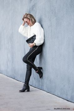 How to wear Black Skinny Jeans by @TayeHansberry in #HUDSONJeans Shade #HighWaisted Skinnies w/ Zipper Detail