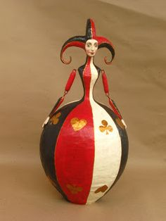 Animated puppets, dolls, figurines, lidded boxes, lightweight props for theatre and stage productions are some of the applications still using papier mache Paper Mache Clay, Paper Mache Crafts, Clay Art, Paper Dolls, Art Dolls, Queen Of Hearts Alice, Paper Mache Animals, Deco Originale, Painted Gourds