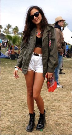 Shop these music festival outfits! The Summer festival season is upon us, so discover our selection of the trendiest festival outfits. Style Doc Martens, White Doc Martens, Music Festival Outfits, Festival Fashion, Festival Style, Concert Outfits, Music Festivals, Festival Wear, Concerts