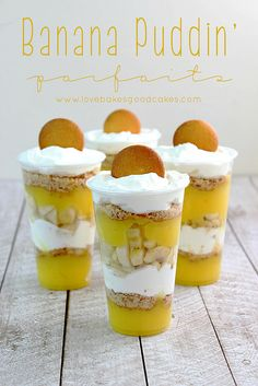 Banana Puddin' Parfait - a cool and refreshing dessert idea - perfect for summer potlucks and parties! #parfait #banana #CollectiveBias #shop