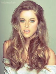 Kristin Stewart, always thought she looked better as a blonde.