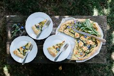 Zucchini Galette mit Ricotta Zucchini Pizzas, Ricotta, Tacos, Food And Drink, Mexican, Stuffed Peppers, Ethnic Recipes, Desserts, Mini Cupcakes