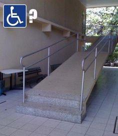 El diseñador de esta rampa para discapacitados… | 21 diseñadores que arruinaron completamente su único trabajo