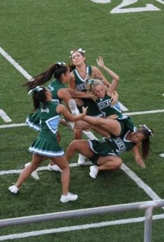 9 EPIC Cheer-leading Fails!