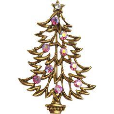 RARE J.J. Jonette Jewelry Pink Crystal Christmas Tree Pin - RARE J.J. Jonette Jewelry Pink Crystal Christmas Tree Pin
