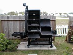 www.bbqlikeaboss.com - smokers and grills | Upright Water Smoker and Grill