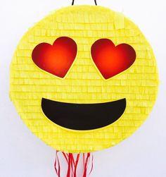 Birthday Celebration Sunglasses Emoji Pinata. Celebración cumpleaños piñata de emoticono de ArteAnadal en Etsy https://www.etsy.com/es/listing/539669409/birthday-celebration-sunglasses-emoji