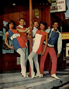 The Fifth Dimension (Aquarius/Let The Sunshine In, Wedding Bell Blues, and One Less Bell To Answer)