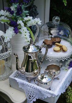 Tea - Source: Comtesse du Chocolat