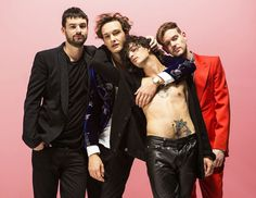 I Like It When You Sleep, for You Are So Beautiful yet So Unaware of It has been described as indie rock  and pop. profile : The 1975   dv & mb *