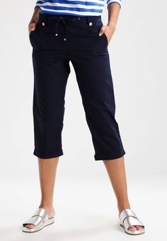 """Dorothy Perkins. Shorts - navy . Fit:straight. Outer fabric material:100% cotton. Our model's height:Our model is 69.0 """" tall and is wearing size 36. Pattern:plain. Care instructions:machine wash at 40°C,do not tumble dry. inner l..."""
