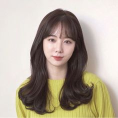 Korean Haircut, Hair Bangs, Dream Hair, Hairstyles With Bangs, Hair Inspiration, Hair Care, Long Hair Styles, Chair, Ideas