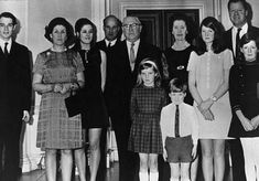 Princess Diana and Her Family | This is a photo of Diana's family when she was 7 years old.