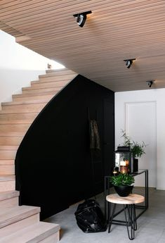 HALLWAY BEFORE AND AFTER Norway House, Feng Shui, Dere, Living Styles, Ikea, Bedroom Styles, Dream Decor, Black Decor, My Dream Home