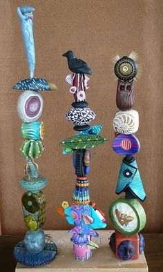 Garden Totems Ideas – Greenest Way Best Picture For Garden Art clay For You… - maniac. Pottery Sculpture, Sculpture Art, Totem Pole Art, Garden Totems, Garden Stakes, Polymer Clay Art, Yard Art, Flower Art, Art Flowers