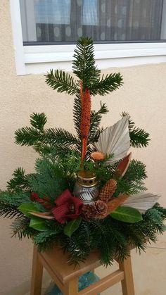 Vence, Funeral Flowers, Christmas Wreaths, Holiday Decor, Home Decor, Christmas, Decoration Home, Room Decor, Home Interior Design