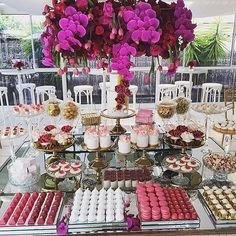 Stunning Bridal Shower #dessert_tablescape -#bridal_shower #strawberriesandco_