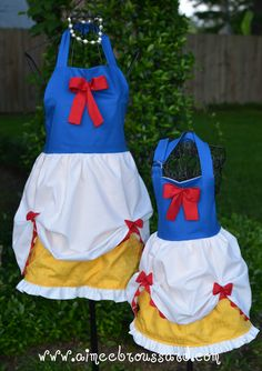Princess aprons- fun to make for a mother/daughter Mommy and Me costume Idea or Snow white themed party Sewing Hacks, Sewing Crafts, Sewing Projects, Disney Princess Aprons, Disney Aprons, Disney Princesses, Sewing Aprons, Disney Costumes, Food Costumes