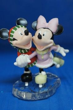 Mickey-Minnie-Mouse-Our-Love-Ice-Skating-Disney-Precious-Moments-Figure-121703