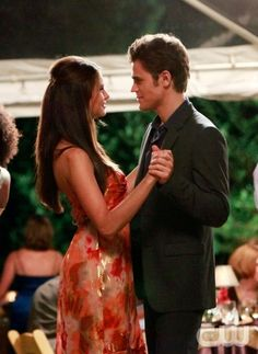 """Family Ties"" - Nina Dobrev as Elena, Paul Wesley as Stefan in THE VAMPIRE DIARIES on The CW.  Photo: Quantrell Colbert/The CW  ©2009 The CW Network, LLC. All Rights Reserved."