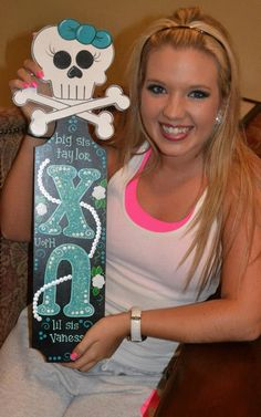 Ok I want this paddle!  Where do you buy something like this or find someone who paints like this??