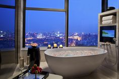 Baignoire avec vue Raffles Hotels Tianjin