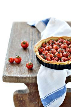 ... torta salata con pomodorini e la pasta matta ...