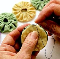 How to Make Fabric Yo-Yos