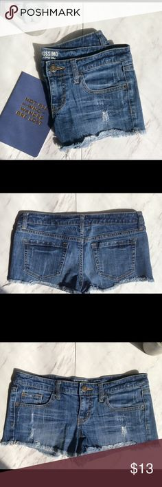 Super cute jean shorts!! Never worn!! Size 9 fits like a 6-7 in other brands Mossimo Supply Co Shorts