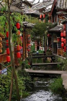 Gosh, China seems to be one of the prettiest countries in the world. Gosh, China seems to be one of the prettiest countries in the world. Places Around The World, The Places Youll Go, Places To See, Around The Worlds, Lijiang, Beautiful World, Beautiful Places, Amazing Places, Voyager C'est Vivre