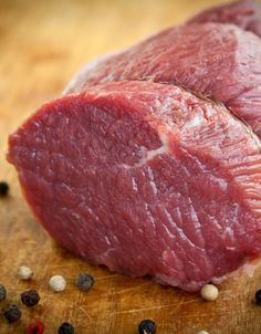 Read our advice on how to cook the perfect roast beef - along with all your cooking questioned answered. Including how long roast beef takes to cook and what size beef joint you should serve. Perfect Roast Beef, Beef Joint, Beef Tenderloin Recipes, Cooking Roast Beef, Christmas Dinner Menu, Xmas Food, Great Recipes, Food And Drink, Chicken