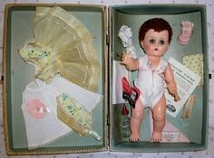 1000+ images about Dolls - Betsy Wetsy on Pinterest | Dolls ...