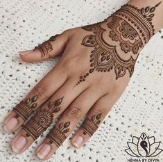 Mehndi Tattoo, Henna Tattoo Designs, Henna Tattoo Muster, Tattoo Diy, Mehndi Designs For Hands, Henna Mehndi, Henna Art, Mehendi, Mandala Tattoo