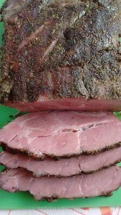 Karkówka pieczona soczysta i krucha. Polish Recipes, Meat Recipes, Cooking Recipes, Steak Braten, Pork Chop Sauce, Smoked Pulled Pork, Smoking Meat, World Recipes, Pork Roast