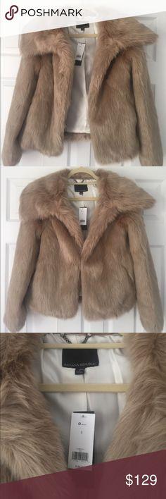 Banana Republic faux fur coat Gorgeous Banana Republic faux fur coat. Super stylish & show stopper! 😍😍✨🔥🔥 Banana Republic Jackets & Coats